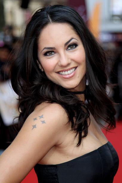 Bárbara Mori tiene una sonrisa super sexy. Mira aquí lo &u...