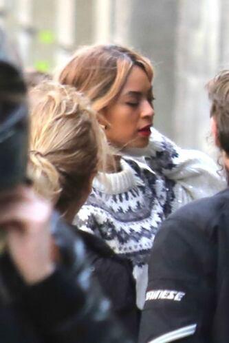 La cantante aprovechó su estancia en España para irse de turista por tod...
