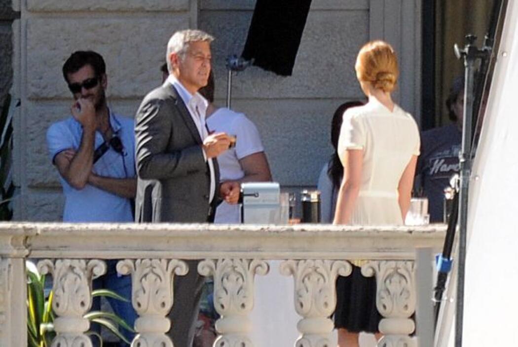 La presencia de su amada no impidió que el actor de 53 años de edad sigu...