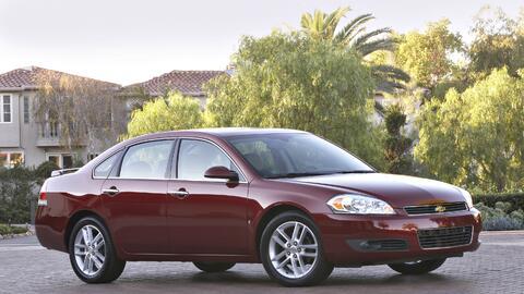 Chevrolet Impala 2010, uno de los modelos afectados por el llamado a rev...