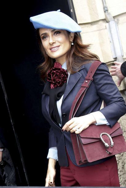 Salma asistió al desfile de la marca Gucci en la ciudad italiana.