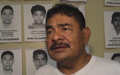 Padres de normalistas de Ayotzinapa desaparecidos hace dos años creen qu...