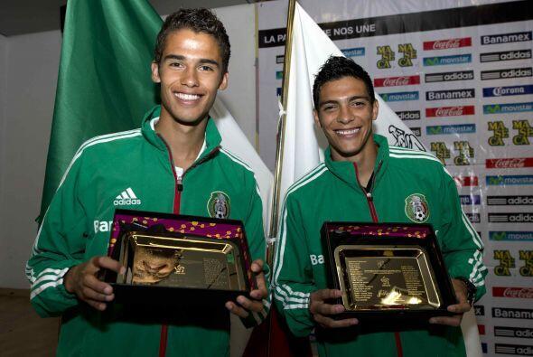 Los elogios y reconocimientos llovieron a su regreso a México, tanto el...