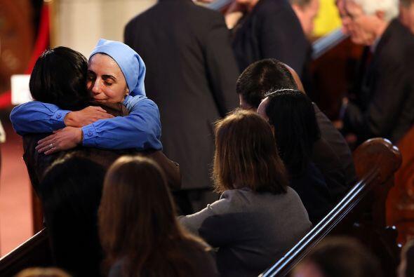 Dirigiéndose a todos los ciudadanos, y en especial a los heridos, Obama...