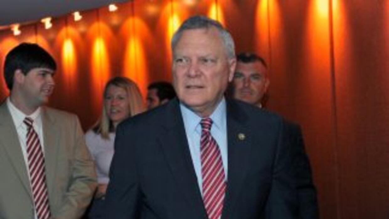 El Gobernador de Georgia Nathan Deal pidió disculpas a miles de personas...