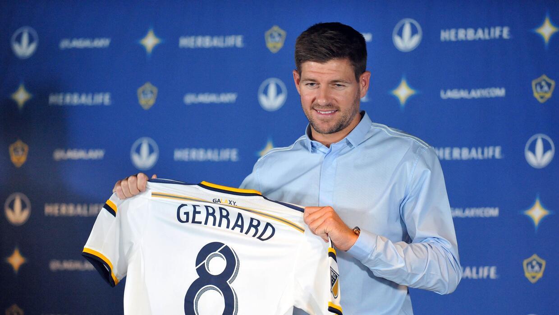 Steven Gerrard es presentado en conferencia de prensa con LA Galaxy