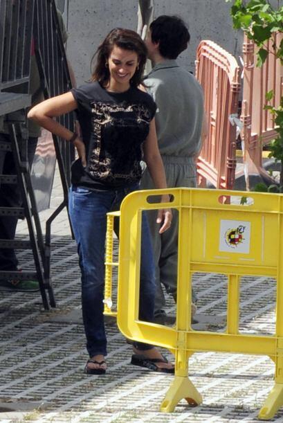 La española llegó al set de su nuevo proyecto en Madrid, &...
