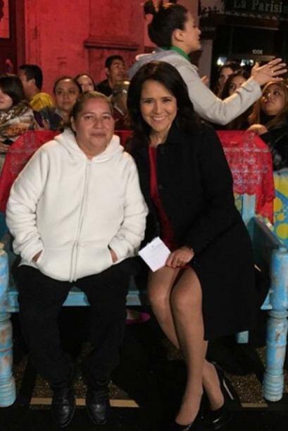 Tenemos a nuestra abogada Jessica Dominguez ayudando al público d...