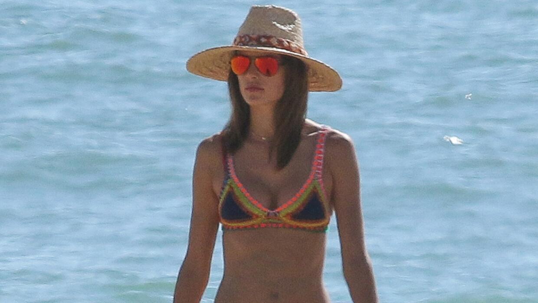 Alessandra Ambrosio se relaja en las playas de Malibú