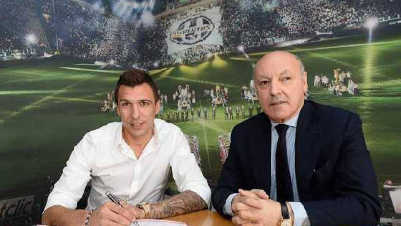 El croata firmó por cuatro años con el equipo italiano. (Foto Twitter Ju...