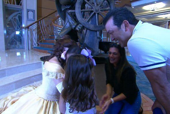 La fascinación fue tal que Mia y Camila se olvidaron de mamá y papá,
