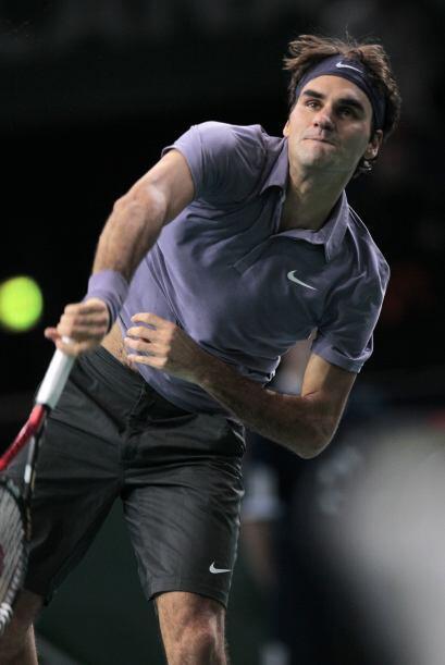 Pero, el tenista francés demostró coraje, luchó y subió a la red, y se b...