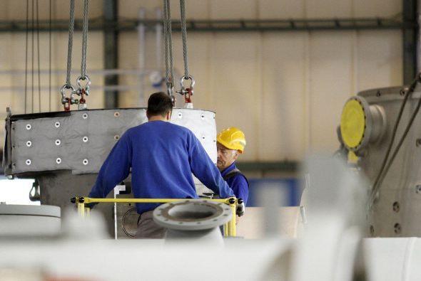Empleos que conlleven utilizar aparatos elevadores de propulsión mecánica.