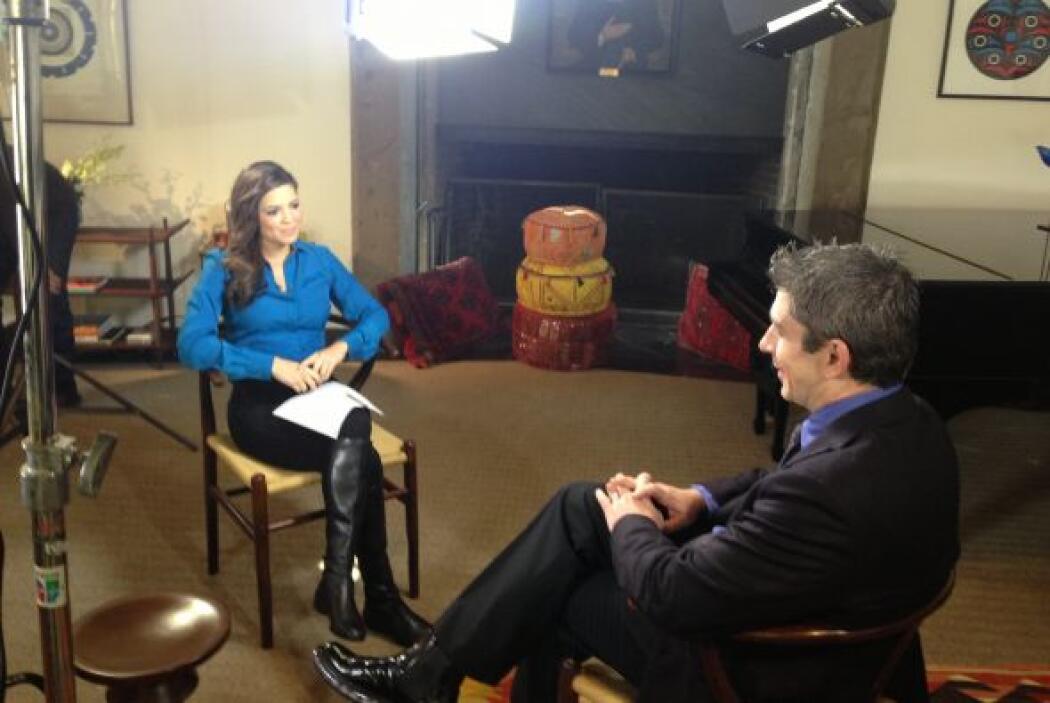 La periodista Pamela Silva Conde entrevistó al poeta Richard Blanco.