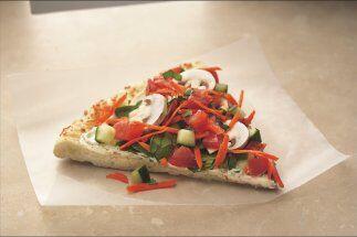 PIZZA A LA JARDINERA  Lleva la huerta a tu cocina y esta pizza a tu mesa...