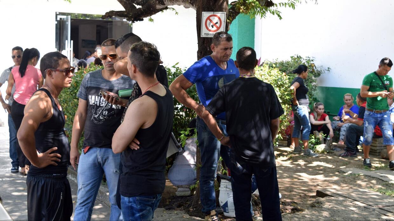 El desalentador panorama de cubanos varados en México tras eliminación d...