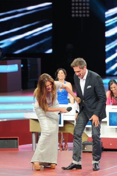 reía y reía por lo que acababa de hacer en el escenario.