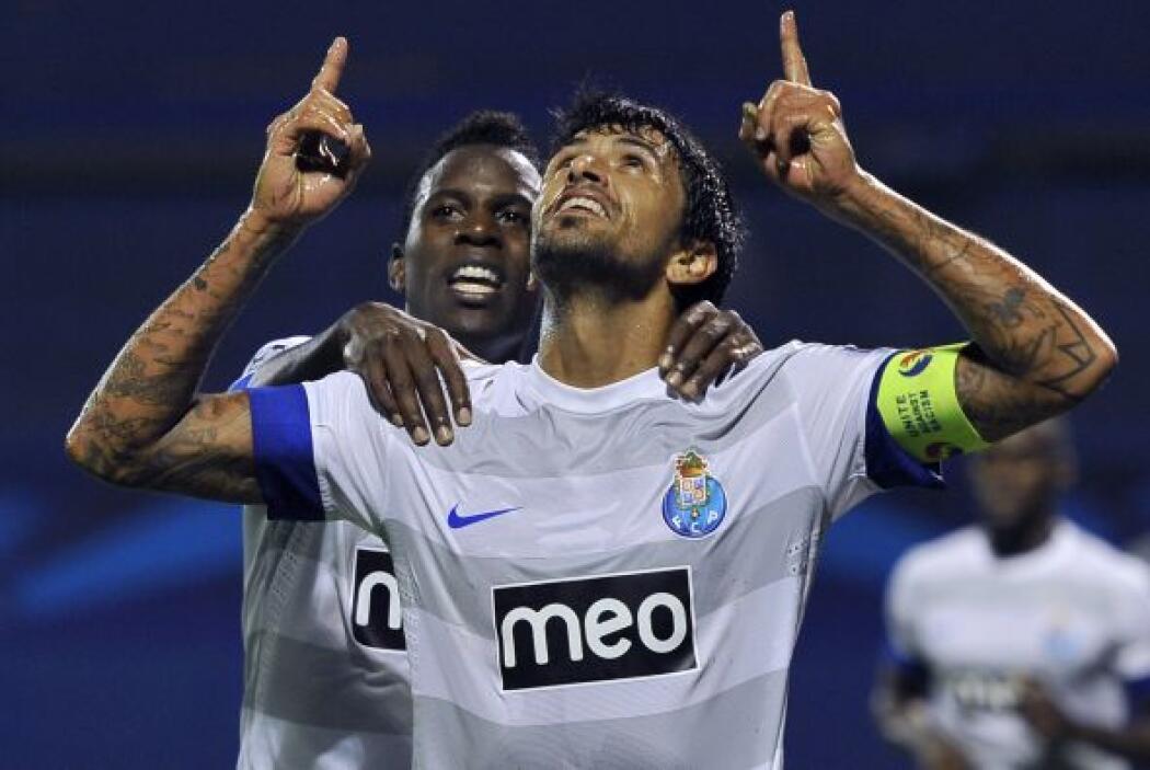 El Oporto hizo pesar su condición de local y ganó por 3-0 al Dínamo Zagreb.