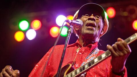 CHICAGO - JANUARY 01: Chuck Berry performs at the Congress Theater on Ja...
