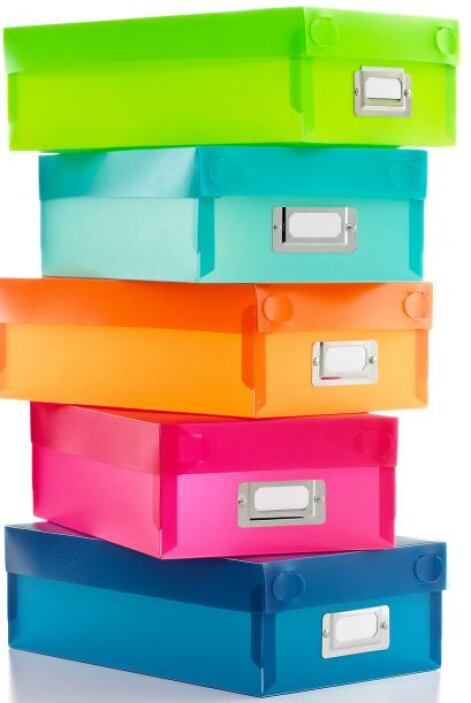 Para seguir con el orden, puedes optar por colocar algunas cajas de colo...