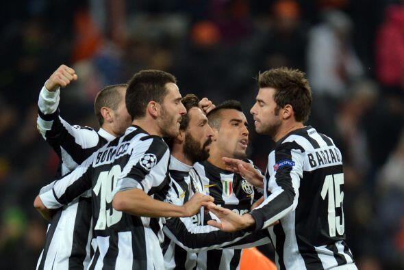 Gracias a un autogol, Juventus derrotó coo visitante al Shakhtar...