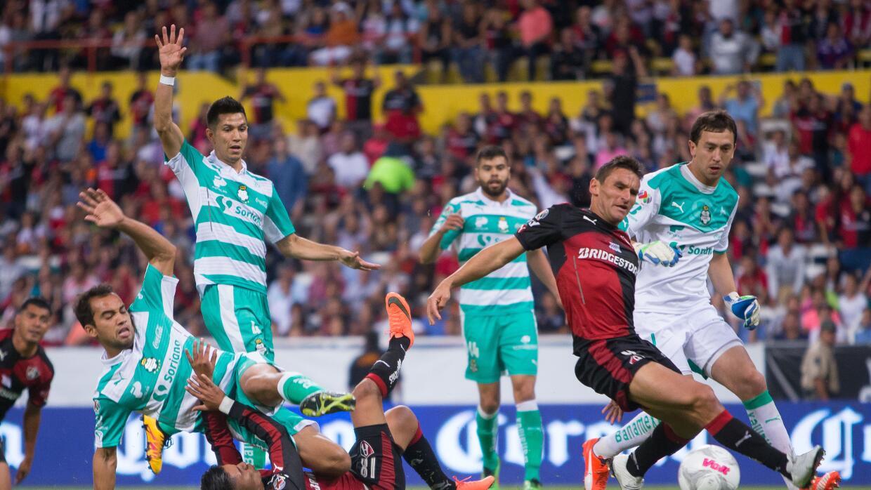 Santos logro su cuarto triunfo del torneo.