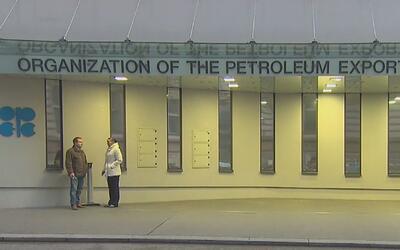 La OPEP recortará 1,2 millones de barriles de petróleo diarios de su pro...