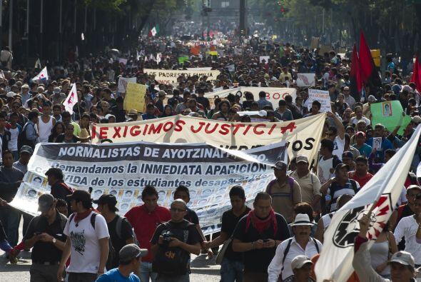 Miles de ciudadanos marcharon la tarde de este miércoles en diversos est...