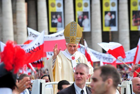 Hablando en latín, Benedicto declaró que Juan Pablo podía ser llamado en...