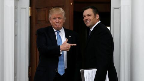 Donald Trump se reunió con Kris Kobach, el artífice de las leyes antiinm...