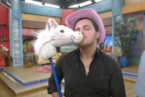 En 'El Rincón Grupero', Paul estaba tan emocionado por las notici...