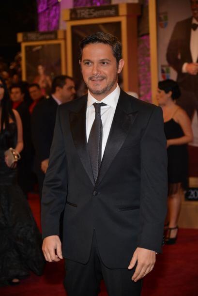 Sanz sería reconocido con el Premio a la Excelencia en Premio Lo Nuestro...
