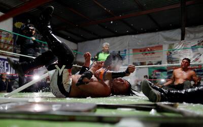 Místico dejó el campeonato welter del CMLL LuchaMexico16.JPG