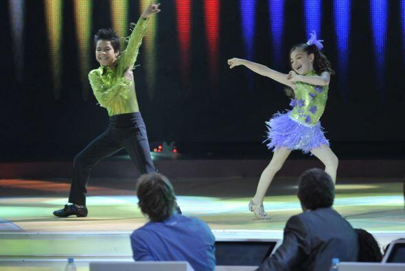 Con mucha energía y buena técnica  Daryna y Jorge bailaron...