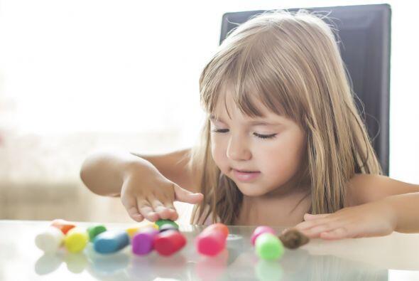 HABILIDADES MOTORAS - Dale a tu hijo varias opciones diferentes para esc...