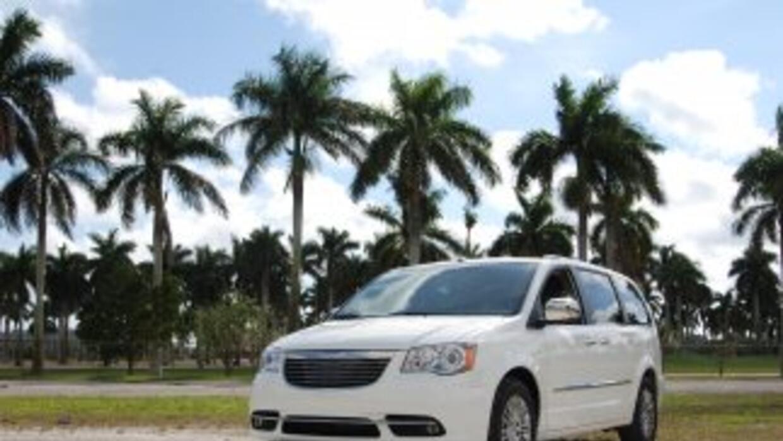 La Chrysler Town&Country recibió el rediseño más completo de su historia...