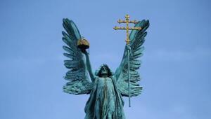 El tercer coro de ángeles es el más cercano al hombre