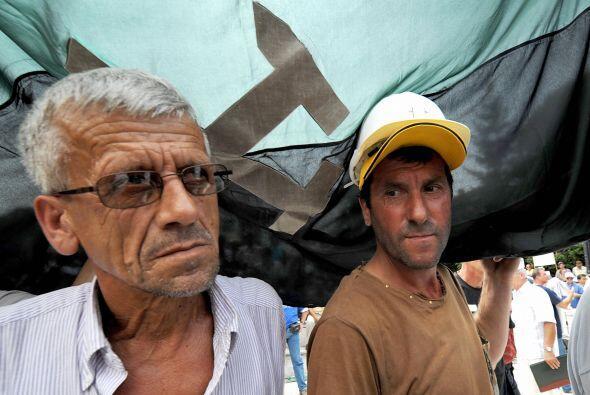 Bosnia esta en la quinta posición. El 92% de la población cree es su paí...