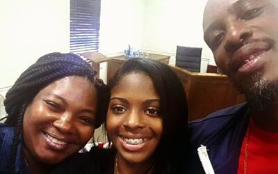 Adolescente se reencuentra con sus padres 18 años después de ser robada...