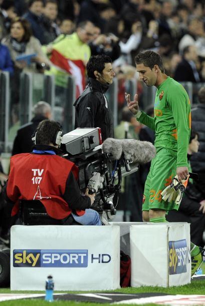 El portero Maarten Stekelenburg era expulsado y concedía un penalti para...