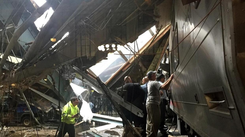 Un tren de pasajeros chocó en Nueva Jersey