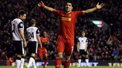 Luis Suárez le metió 4 al Norwich y llegó a 13 para colocarse como máxim...