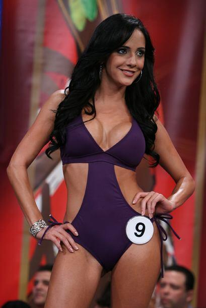 Karin Molina, bella y muy sensual el día de la final.