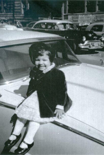 Su talento fue descubierto a muy temprana edad, creció en el espectáculo.