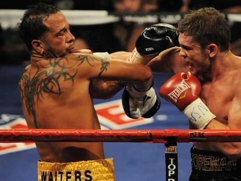 El puertorriqueño Daniel Santos defendió el título...