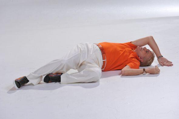 Osmel en el piso