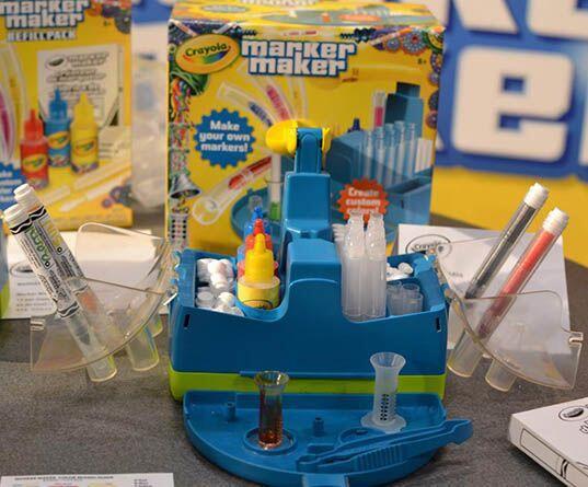 Crayola Marker Maker.  Con este kit de Crayola, tu niño podr&aacu...