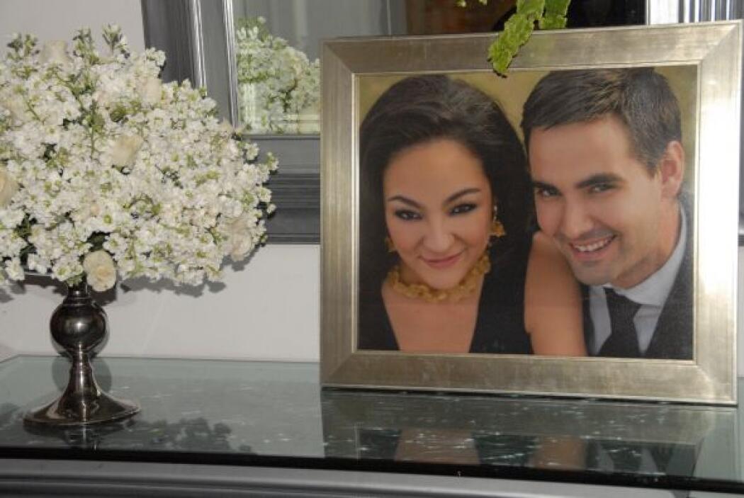Una bella fotografía de la pareja dio la bienvenida a todos los invitados.