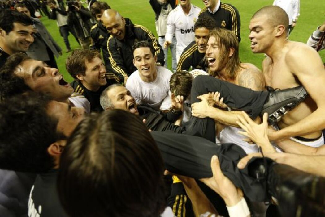 1. La Liga de los récords:  Mourinho ganó su primera Liga en su segunda...