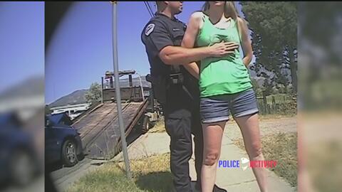 Mujer acusa a policía de haberla manoseado